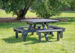Pembridge picnic table in a park location