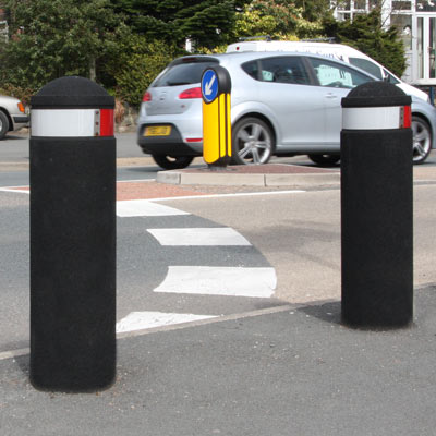 Black 900mm Buffer bollard with red/white retroreflective banding