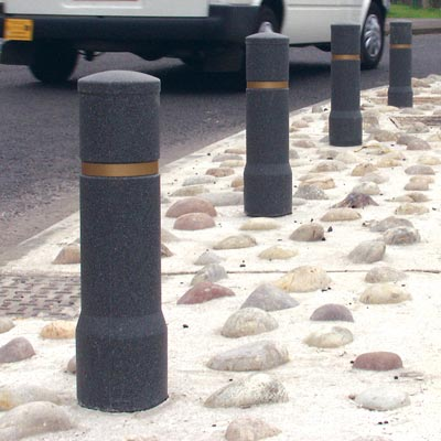Millstone Edgeliner bollards with gold banding