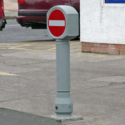 Aircraft Grey Ensign bollard with sign Ref 616