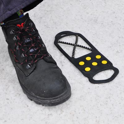 Glasdon Ice Grips provide extra grip and confidence when walking on frozen pavements