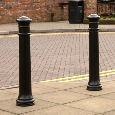Glasdon Manchester bollards with no banding