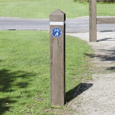 Dark Oak 1000mm Glenwood post with white retroreflective banding and sign Ref 956