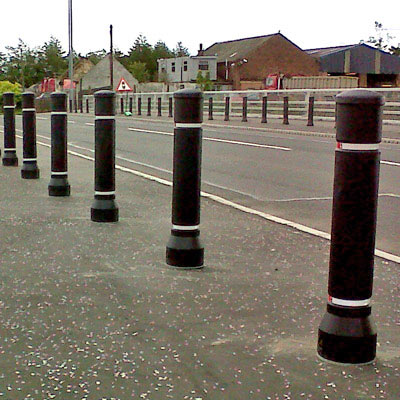 Neopolitan™ 20 Bollard Compliant to Passive Safety Standard: BS EN 12767:2007