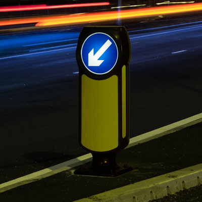 Solar Signmaster™ LED Bollard Compliant to Passive Safety Standard: BS EN 12767:2007