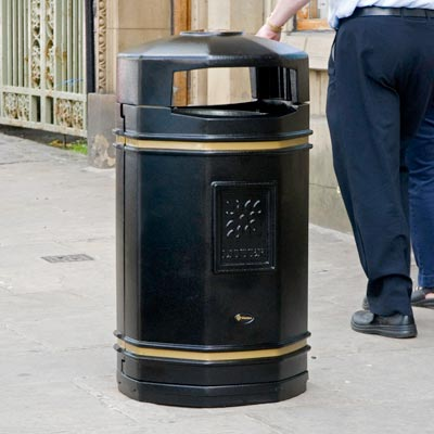 Stanford litter bin in Black with Banding