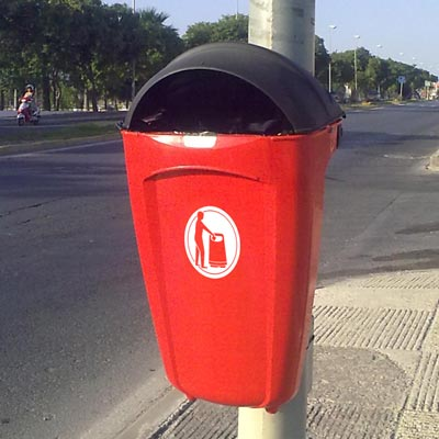 Super Trimline 50 HSL litter bin in Red