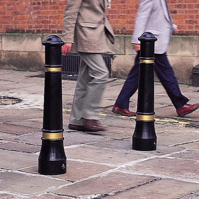 Victory™ Bollard Compliant to Passive Safety Standard: BS EN 12767:2007